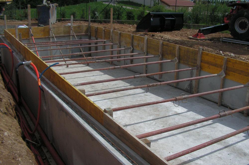 Construction du0027une piscine en béton banché à Genas (69740) Agrandir